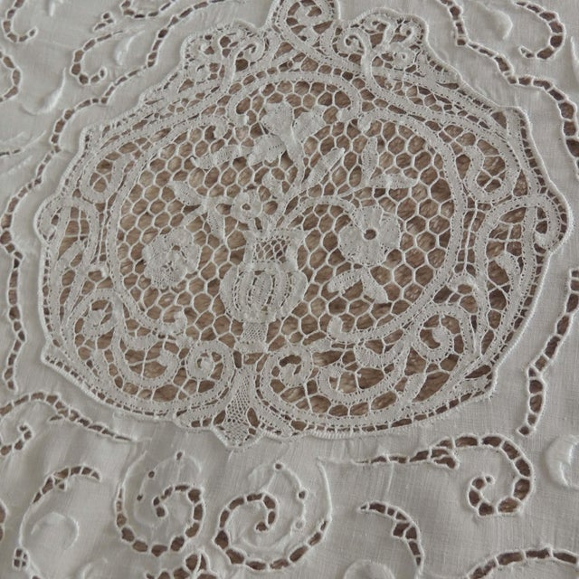 Antique Round Figural Needle Lace Point De Venise Tablecloth With Cherubs For Sale In Sacramento - Image 6 of 11