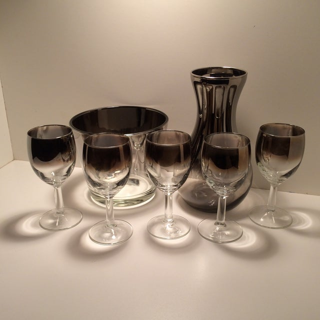 Dorthy Thorpe Silver Ombre Carafe, Glasses and Ice Bucket With Tongs Cocktail Set - 8 Piece For Sale - Image 11 of 11