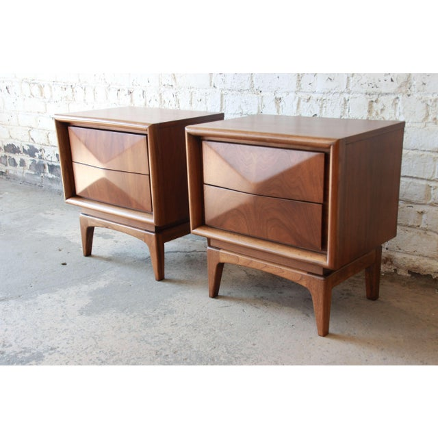 United Furniture Corporation Mid-Century Modern Diamond Front Nightstands by United - A Pair For Sale - Image 4 of 10