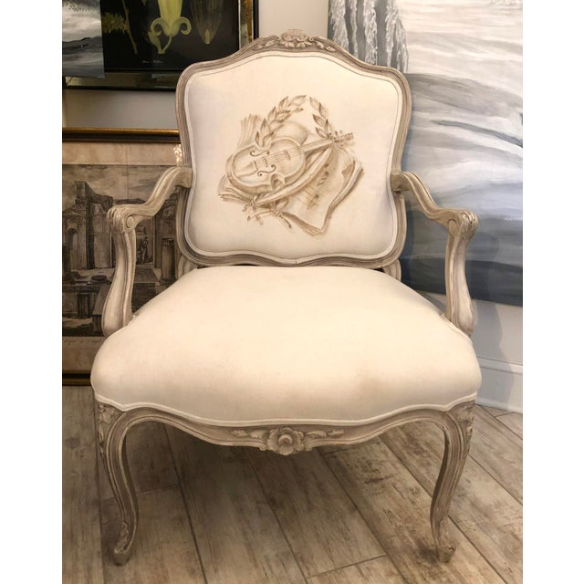 Light Gray Italian Mid-Century Louis XV Style Hand-Painted Fauteuils - a Pair For Sale - Image 8 of 13