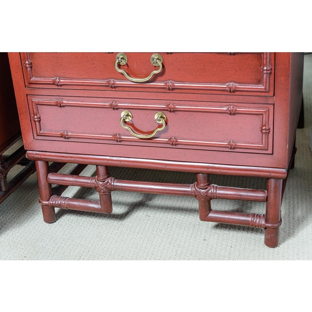Vintage Ficks Reed Faux Bamboo Chinese Red Nightstands-A Pair For Sale In West Palm - Image 6 of 12