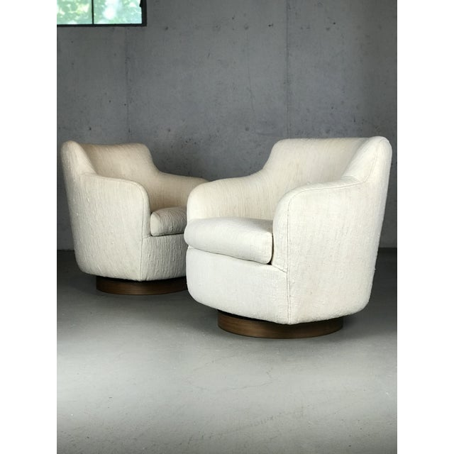 1970s Designer Swivel and Tilt Lounge Chairs by Milo Baughman for Thayer Coggin For Sale - Image 5 of 11
