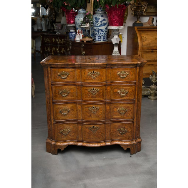 18th Century Dutch Walut Marquetry Chest - Image 11 of 11