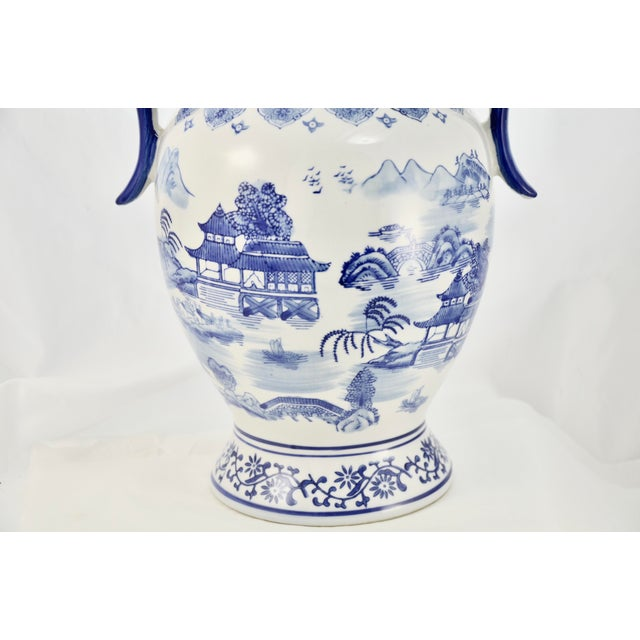 Asian Chinoiserie Blue & White Urn For Sale - Image 3 of 7