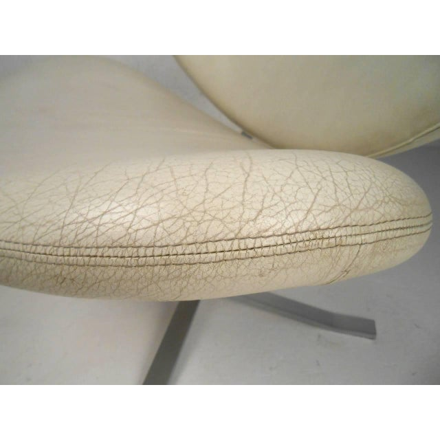 """Poul Volther """"Corona"""" Swivel Lounge Chair For Sale In New York - Image 6 of 7"""