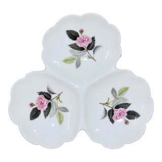 Vintage Wedgwood Bone China Hathaway Rose Clover Leaf Relish Tray C. 1959-1987 For Sale