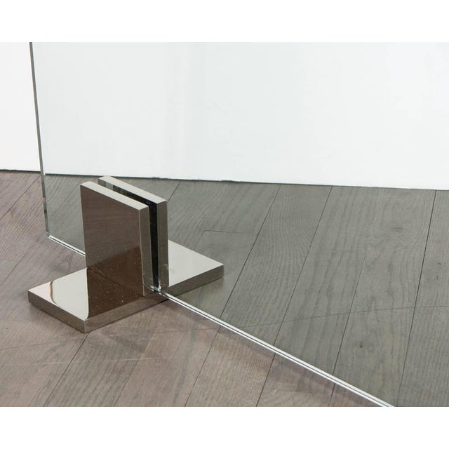Custom Modern Tempered Glass Fire Screen with Polished Nickel Strip and Feet For Sale In New York - Image 6 of 9