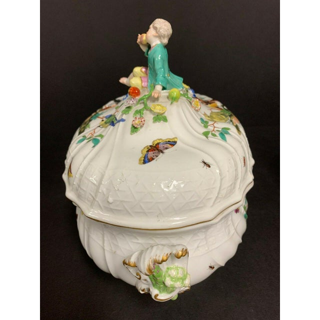 White Antique 1750 Meissen Porcelain Tureen with Birds, Insects, Flowers and Boy Finial For Sale - Image 8 of 13