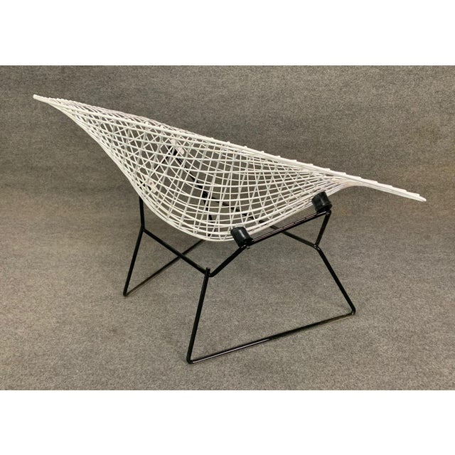 White Vintage Mid Century Modern Large Diamond Chair by Harry Bertoia for Knoll For Sale - Image 8 of 11