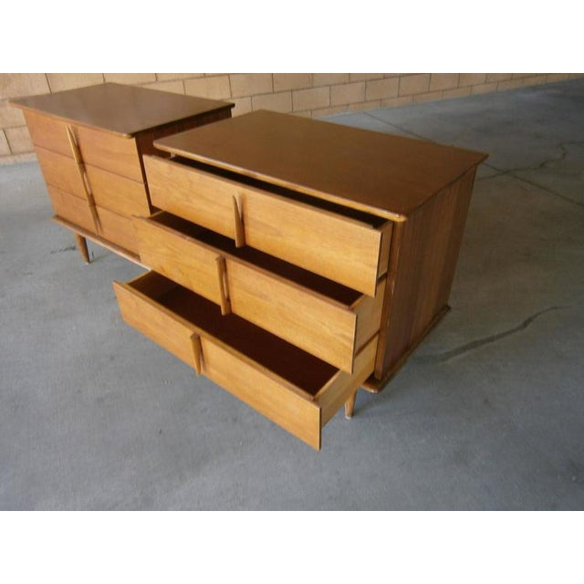Mahogany Bedside Chests - A Pair - Image 3 of 7