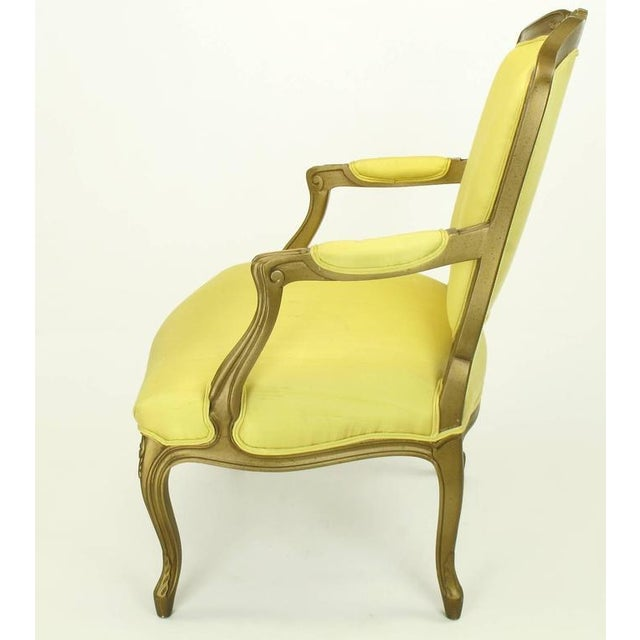 Louis XV 1940s Giltwood Louis XV Style Fauteuil with Saffron Silk Upholstery For Sale - Image 3 of 8