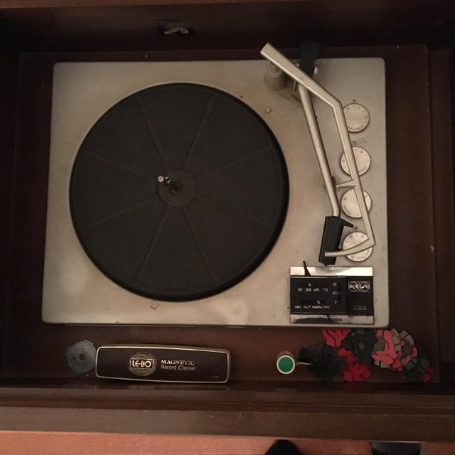 Vintage RCA Record Player Console - Image 6 of 10