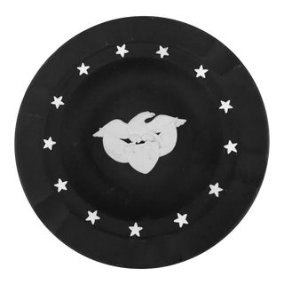 Vintage Wedgwood Black Jasperware Plate, 13 Stars With the American Eagle in Center For Sale