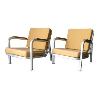 1930s Art Deco Streamline Emeco Aluminum Lounge Chairs - a Pair For Sale