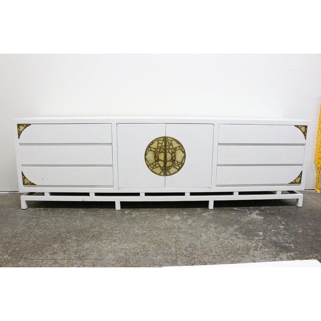 Mid-Century Modern Lacquered Credenza/Dresser by Frank Kyle With Pepe Mendoza Hardware For Sale - Image 3 of 9