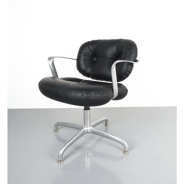 Knoll Pair Morrison and Hannah Knoll Office Chair Aluminum Black Leather, 1975 For Sale - Image 4 of 9
