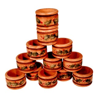 Vintage Holly Berry Christmas Wooden Wood Napkin Rings - Set of 12 For Sale