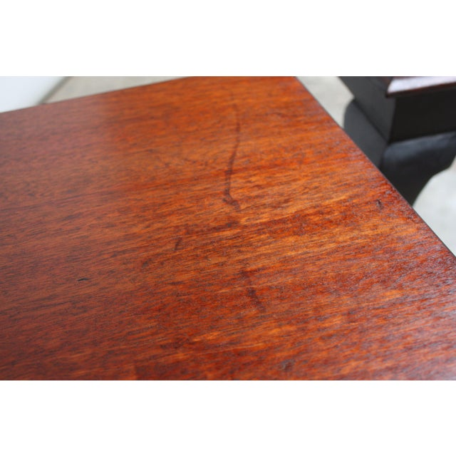 Pair of Mahogany and Ebonized Walnut Chippendale-Style Tall End Tables For Sale - Image 10 of 13
