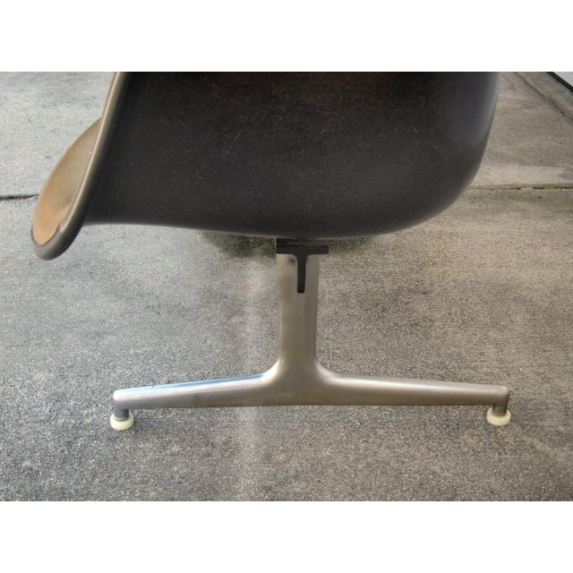 Vintage Eames Shell Chair Tandem Seating - Image 4 of 4