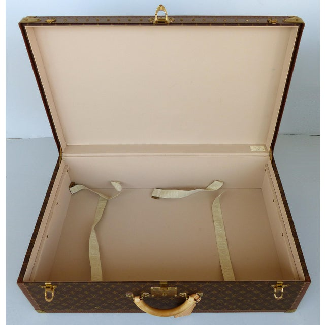 Louis Vuitton Alzer 80 Leather and Brass Suitcase & Original Protective Cover For Sale - Image 9 of 11