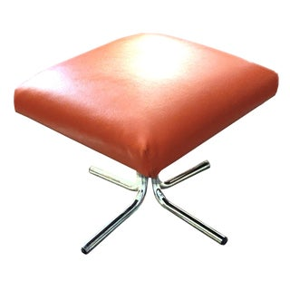 1960s Vintage Persimmon Toned Faux Leather Vinyl Cushioned Ottoman on Splayed Chrome Legs For Sale