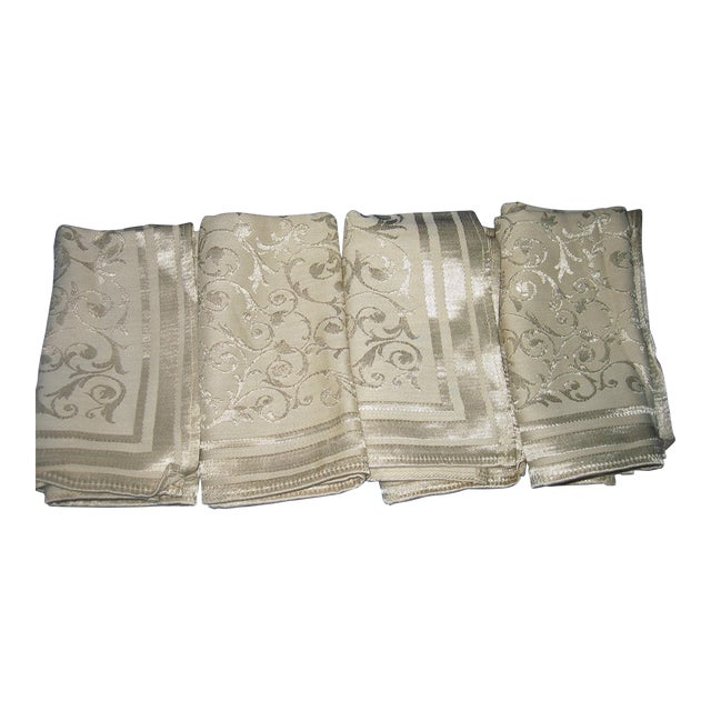 Vintage Floral Damask Napkins - Set of 4 For Sale