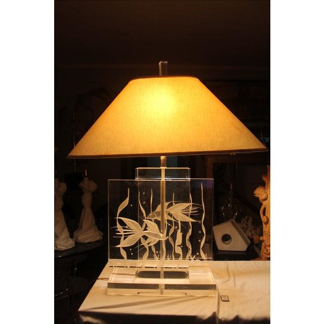 Vintage Art Fish Aquariums Figures Lucite Table Lamp - Image 3 of 11