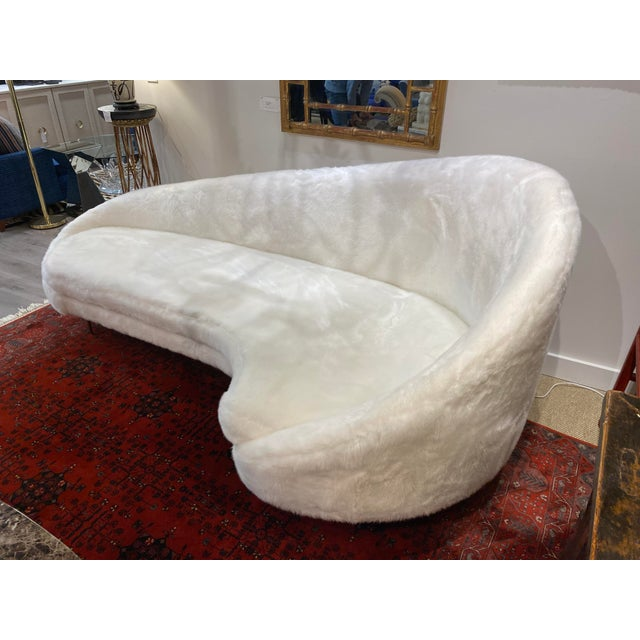 Contemporary Contemporary Sweeping Curved Sofa in White Faux Fur For Sale - Image 3 of 10