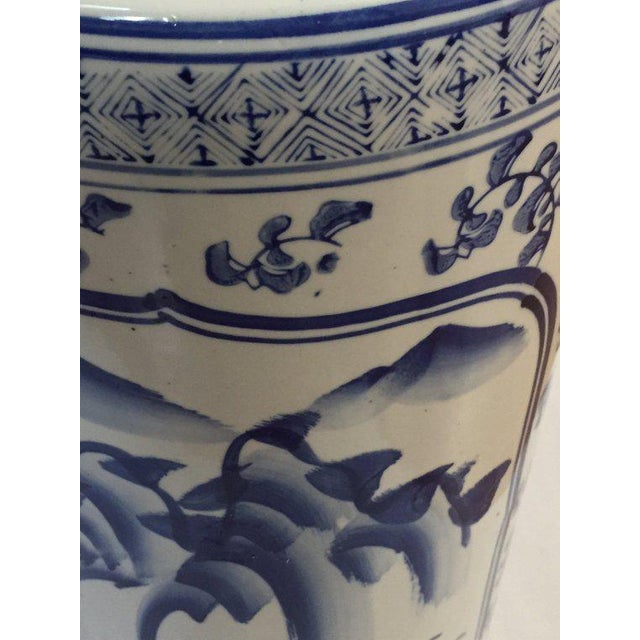 "Vintage Chinoiserie Umbrella Stand Cobalt Blue White Chinese Porcelain 18"" For Sale In Richmond - Image 6 of 11"
