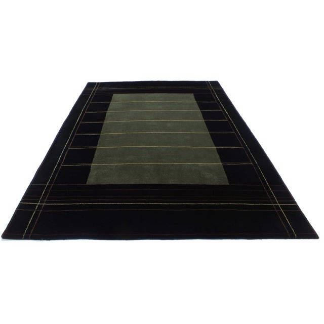 New hand-knotted indian tibetan wool rug. Soft to the eyes and elegant, this modern tibetan wool rug of indian origin...