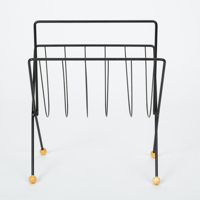 Mid-Century Modern 1950s Wire Magazine Rack by Tony Paul For Sale - Image 3 of 10