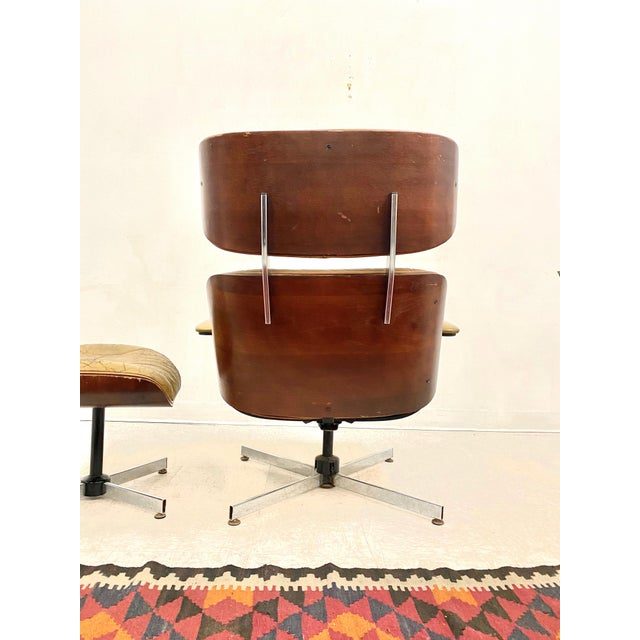 Mid-Century Modern Vintage Plycraft Lounge Chair and Ottoman Set For Sale - Image 3 of 5
