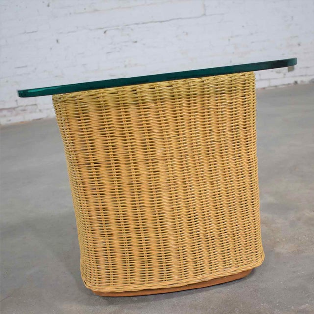 Rattan Wicker Organic Modern Side Table With Thick Glass Top For Sale - Image 6 of 13