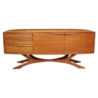 Mid Century Modern Credenza by Beithcraft For Sale