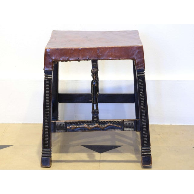 """Early 20th Century Set of 4 """"Chokwe"""" African Stools, in Sculpted Wood and Parchment For Sale - Image 5 of 12"""