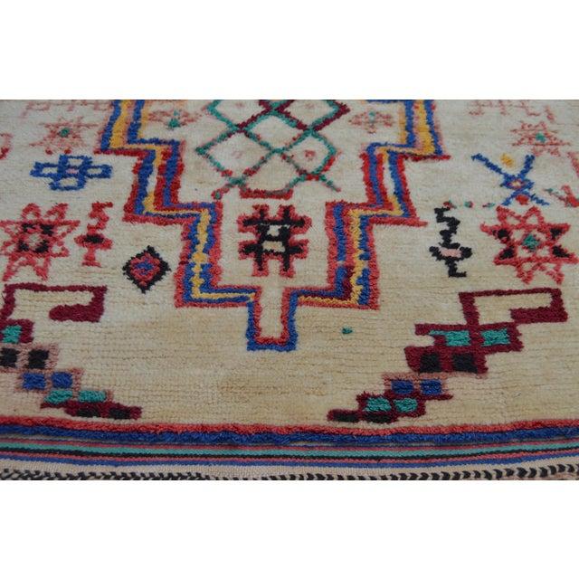 Vintage Moroccan Azilal Rug - 5'5'' x 3'11'' - Image 3 of 6