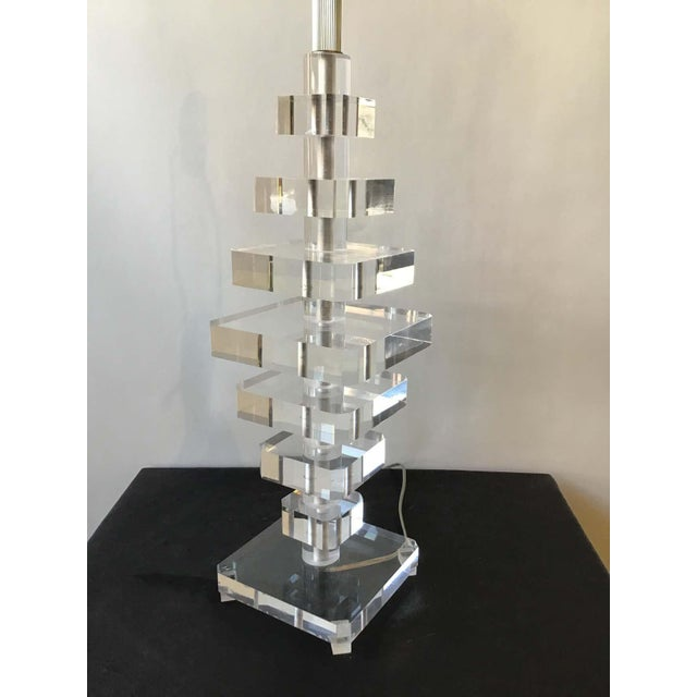Mid-Century Modern 1980s Stacked Lucite Lamp For Sale - Image 3 of 8