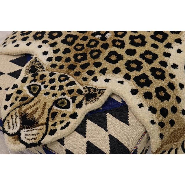 Tan Contemporary Decorate Wild Animal Design Handcuffed Area Rug- 3′ × 5′ For Sale - Image 8 of 11