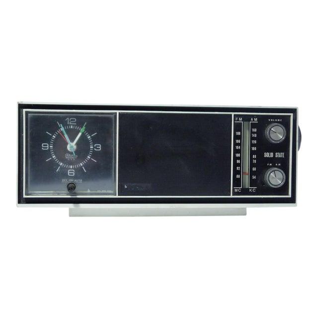 Vintage Telechron Movement Clock Radio For Sale