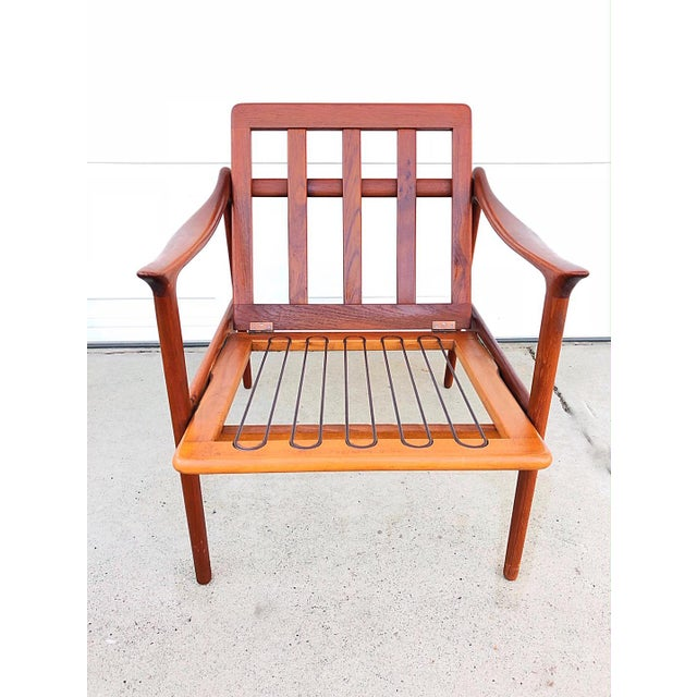 Mid-Century Modern Pair of Mid-Century Modern Easy Chairs in Teak and Wool For Sale - Image 3 of 9