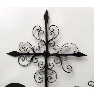 Americana American Country (20th Cent) wrought iron weather vanes with rooster and scroll design For Sale - Image 3 of 5