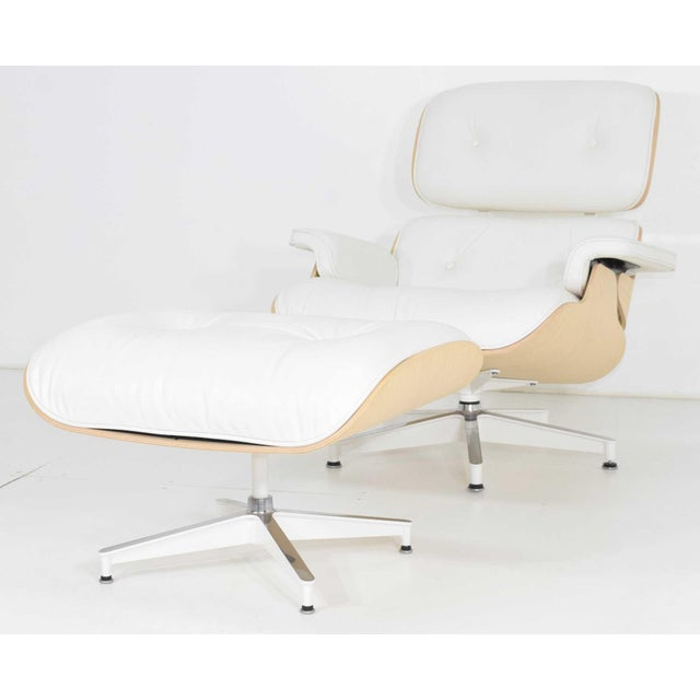 Charles & Ray Eames for Herman Miller Lounge Chair and Ottoman For Sale - Image 12 of 12