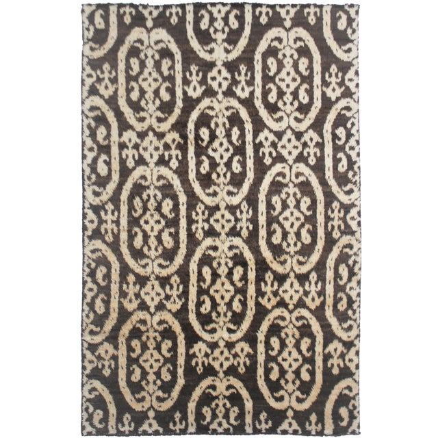Aara Rugs Hand Knotted Ikat Rug- 6′ × 9′6″ For Sale
