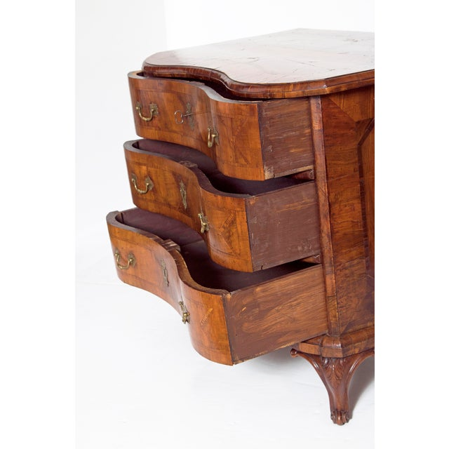 Mid-18th Century Baroque Walnut Three Drawer Chest For Sale In Dallas - Image 6 of 13