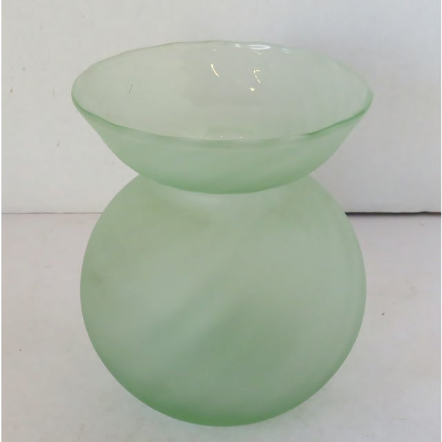 Italian Globe-Shaped Glass Vase For Sale In Los Angeles - Image 6 of 6
