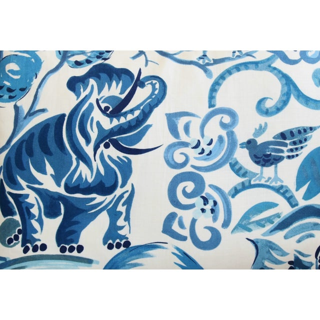 """P. Kaufmann Blue & White Animal Feather/Down Pillows 22"""" X 16"""" - Pair For Sale - Image 4 of 13"""