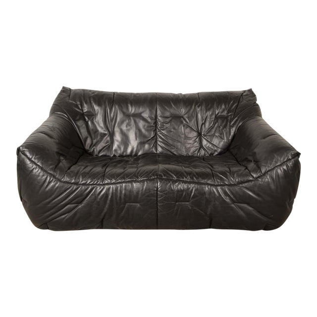 Mid-Century Modern Design Smooth Black Leather Soft Shell Sofa by Hans Hopfer for Roche Bobois, 1980s For Sale