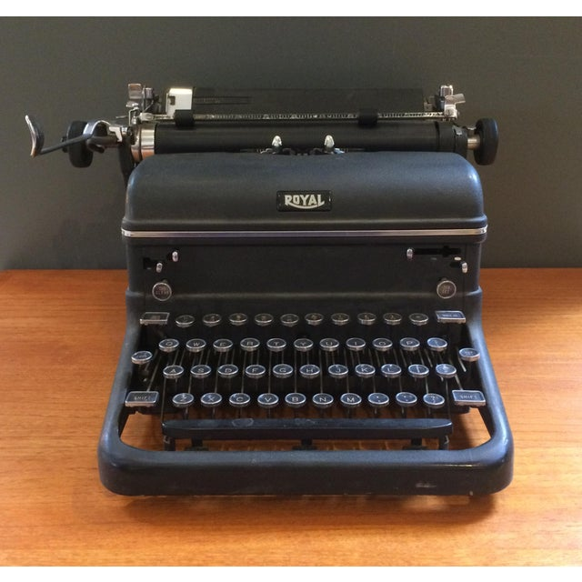 Traditional 1930s Royal Typewriter For Sale - Image 3 of 8
