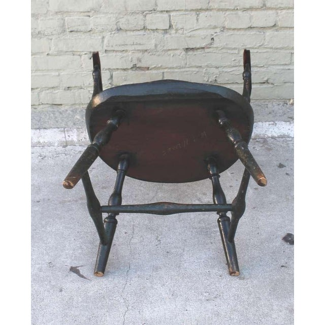 18th Century Original Green Extended-Arm Windsor Chair - Image 9 of 10