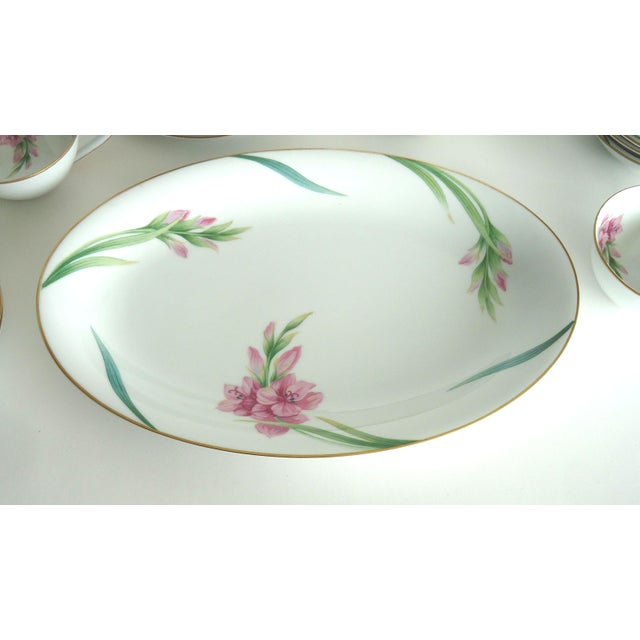 Noritake Noritake Gladiola Flowers Dinnerware - Set of 55 For Sale - Image 4 of 6